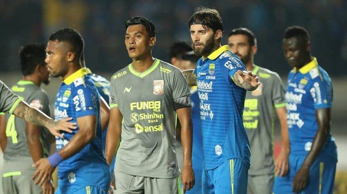 Pertandingan Persib Bandung vs Borneo FC dalam laga pekan ke-14 Liga 1 2019 di Stadion Si Jalak Harupat, Rabu (14/8/2019). Dalam pertandingan itu, Persib Bandung ditahan imbang 2-2 oleh Borneo FC.