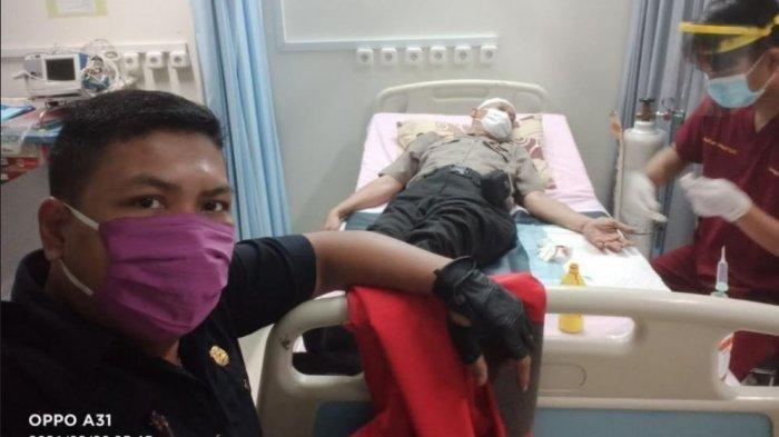 Anggota polisi dari Polsek Metro Menteng, Jakarta Pusat, dirawat di rumah sakit, karena dibacok anggota geng motor pada Selasa (2/3/2021).