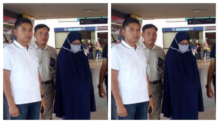 Proses penangkapan polwan Polda Maluku Utara yang diduga terpapar paham radikal oleh Polda Jatim di Bandara Juanda