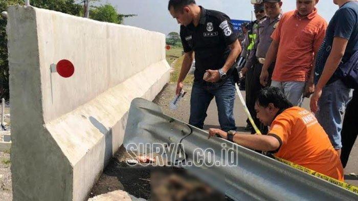 Potongan kaki manusia ditemukan di tepi ruas Jalan Tol KM 720 Dusun Tegalan, Desa/Kecamatan Bandarkedungmulyo, Jombang, Senin (17/6/2019).