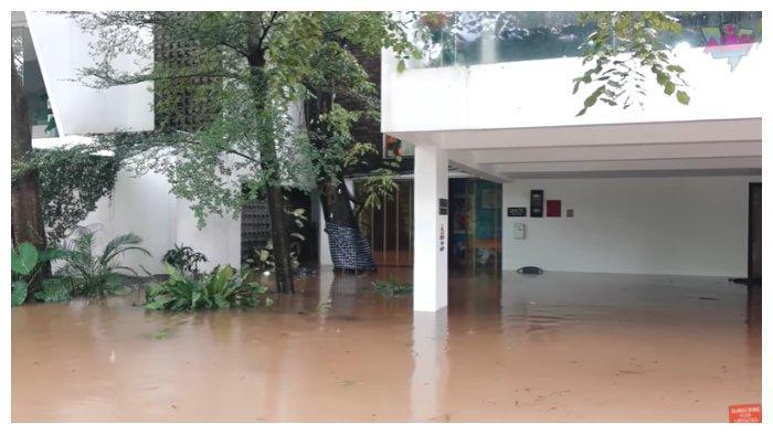 Potret rumah Irish Bella dan Ammar Zoni saat terendam banjir