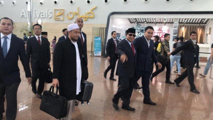 Prabowo saat berada di Bandara Seri Begawan yang viral