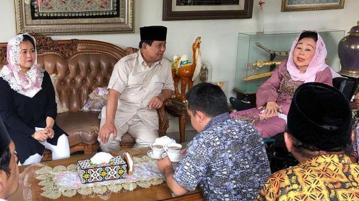Usai Jokowi dan Sandiaga Uno, Kini Giliran Prabowo Kunjungi Sinta Nuriyah Wahid