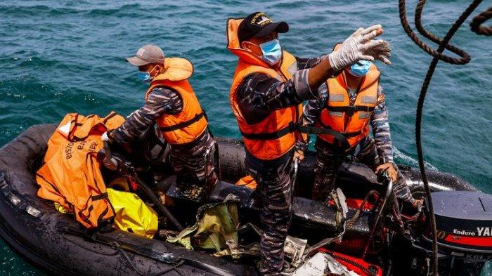 Selvin Lolos Terbang Naik Sriwijaya Air SJ 182 Pakai KTP Sarah, Pengacara Ungkap Keanehan