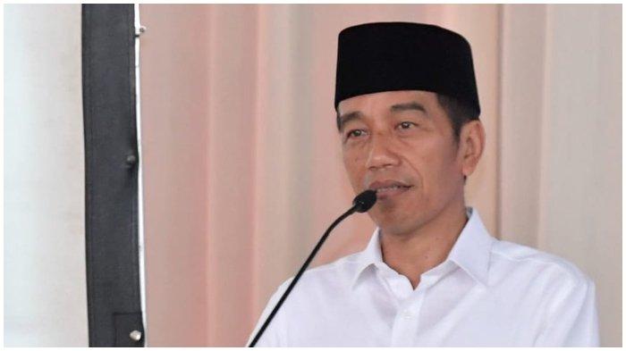 Presiden Joko Widodo (Jokowi) saat bersilaturahmi dengan para santri dan pengurus Pondok Pesantren Bugen Al-Itqon, Semarang, Senin (22/10/2018).