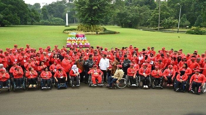 Presiden mengundang Atlet Asian Para Games ke Istana Kepresidenan Bogor, Sabtu (13/10/2018). Dalam acara tersebut Presiden menyerahkan bonus kepada atlet secara simbolik