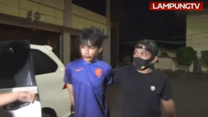 Pria berinisial AA (24) yang menjadi tersangka penusukan Syekh Ali Jaber di Lampung, Minggu (13/9/2020).