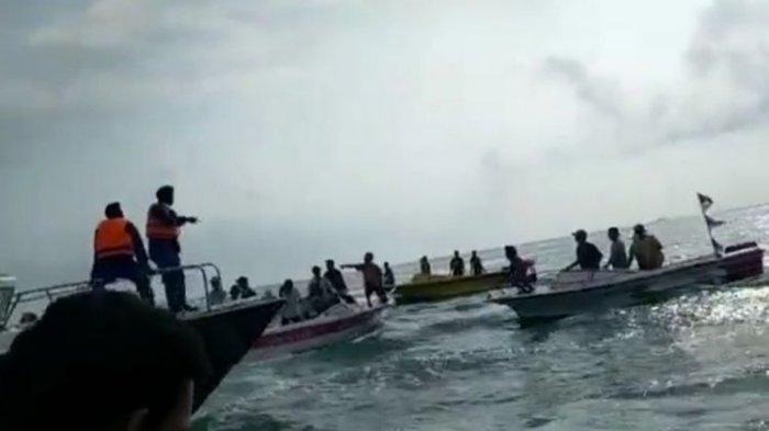 Fakta Viral Video Warga Demo di Tengah Laut, Minta Petugas Kembalikan Banana Boat yang Disita
