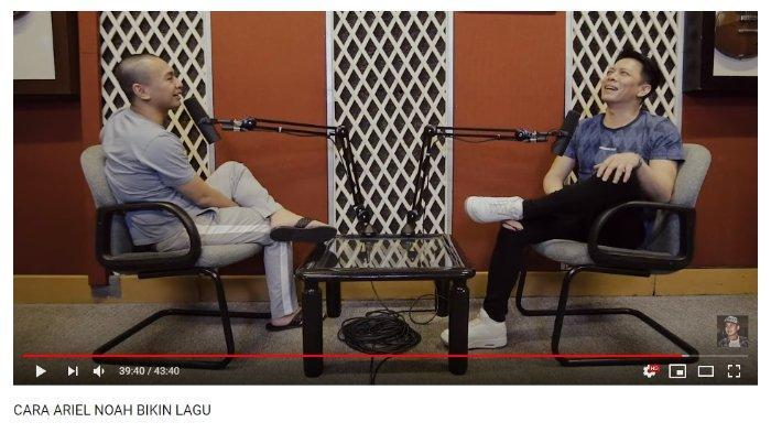 Raditya Dika dan Ariel Noah, berbincang tentang lagu-lagu karya Ariel.