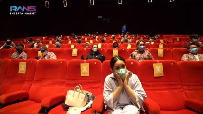 Raffi Ahmad Sewa Bioskop demi Dirinya, Nagita Slavina: Gantian Jagain Rafathar, Aku Mau Nonton
