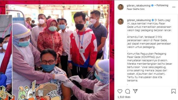Wali Kota Solo Gibran Rakabuming Raka meninjau vaksinasi Covid-19 terhadap pedagang di Pasar Gede, Sabtu (27/2/2021).