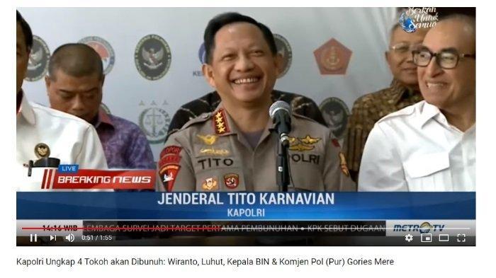 Kapolri Jenderal Tito Karnavian tertawa merespon jawaban Wiranto