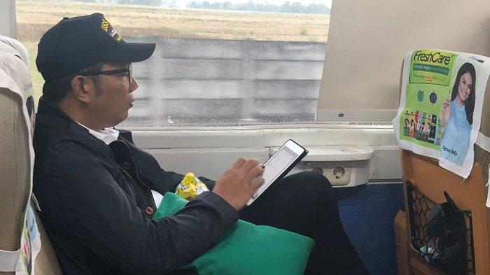 Ridwan Kamil 'ditemani' Agnez Mo di kereta
