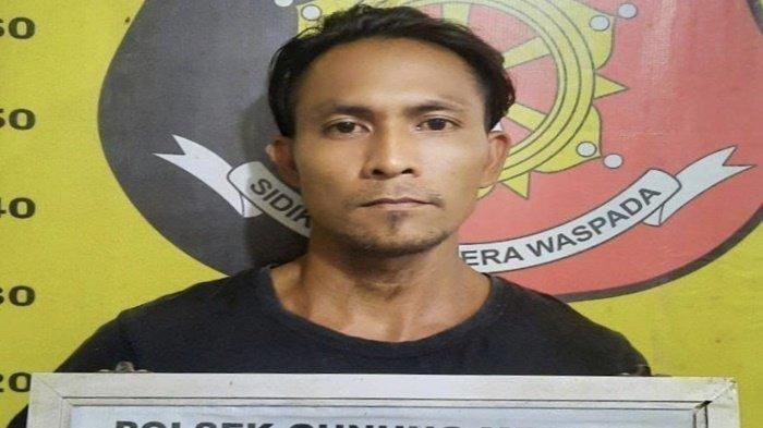 Rizal, suami yang menghujamkan tombak ke kepala istrinya hingga tewas di Muara Enim, Rabu (5/5/2021).