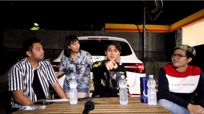 (Dari kiri ke kanan) Manajer artis, Dodo, Artis Tya Ariestya, aktor Rizky Billar, dan suami Tya, Irfan Ratinggang dalam tayangan di kanal YouTube ITIKK Family, Selasa (25/8/2020).