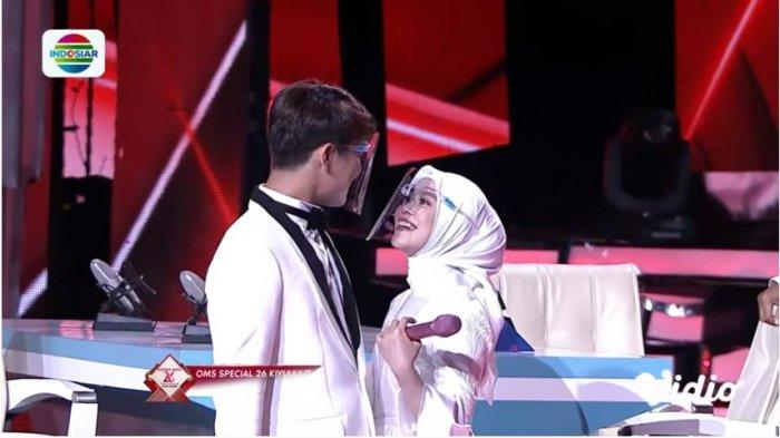 Rizky Billar dan Lesti Kejora saat mengumumkan pernikahan mereka yang akan digelar tahun 2021, Senin (11/1/2021)