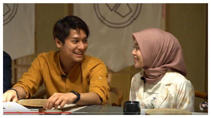 Rizky Billar dan Lesti Kejora dalam channel YouTube Basuki Surodjo, Sabtu (5/9/2020). Rizky Billar keceplosan berharap Lesti sesuai kriteria idamannya.