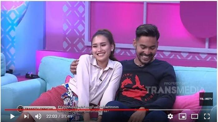 Robby Purba dan Ayu Ting Ting dalam acara Brownis Trans TV, Selasa (12/11/2019).