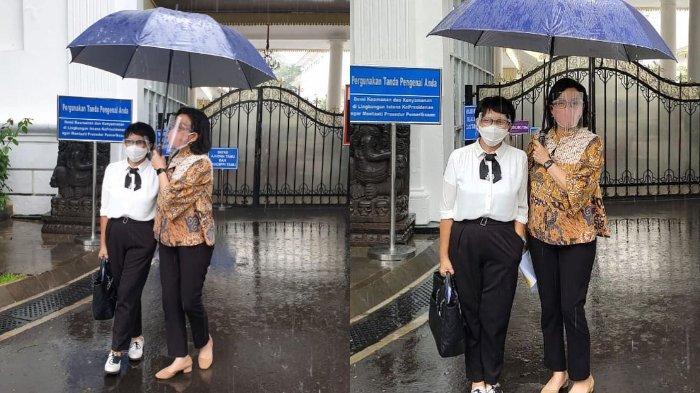 Hujan-hujanan Pakai Satu Payung bersama Retno Marsudi, Sri Mulyani: Serasa Nostalgia Masa SMA