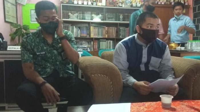 Mudir Kepesantrenan Ponpes Al Irsyad, Huzeim Miftah, saat dikonfirmasi sejumlah wartawan terkait dugaan penganiayaan terhadap satu santrinya, NA (15), Selasa (8/12/2020).