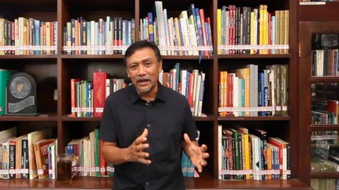 Sekretaris Majelis Tinggi Partai Demokrat Andi Mallarangeng di kediamannya, Jumat (19/2/2021).
