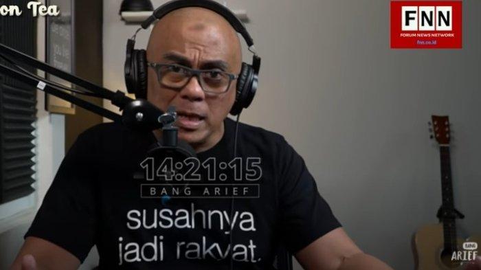 Sosiolog Arief Munandar mengusulkan Menko Polhukam Mahfud MD di-reshuffle.