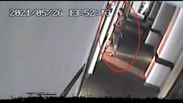 Sosok pria misterius diduga pembunuh wanita yang ditemukan tanpa busana di kawasan Menteng, Jakarta Pusat.