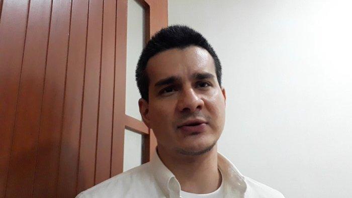 Steve Emmanuel saat ditemui Grid.ID di Pengadilan Negeri Jakarta Barat, Kamis (23/5/2019).