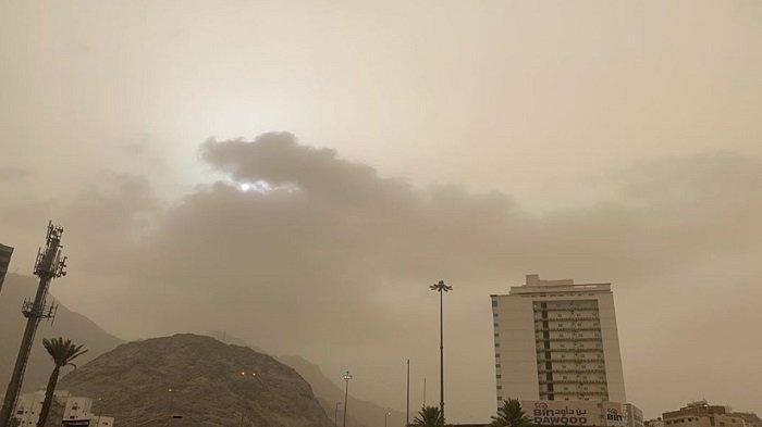 VIDEO Langit Mekkah Mendung di Hari KH Maimun Zubair (Mbah Moen) Meninggal Dunia
