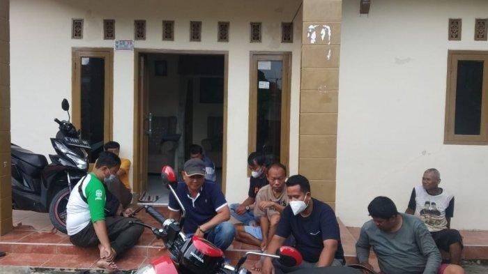Suasana rumah NA di Majalengka. NA terlibat dalam kasus sate beracun yang menewaskan anak pengemudi ojol di Bantul.