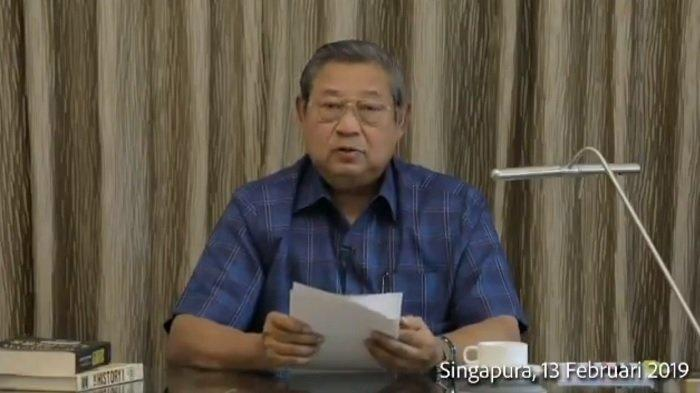 Presiden ke-6 RI, Susilo Bambang Yudhoyono (SBY) saat memberikan penjelasan kondisi Ani Yudhoyono yang saat ini dirawat di Singapura.
