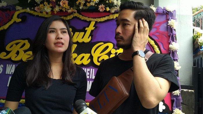 Syahnaz Sadiqah bersama sang suami, Jeje Govinda, saat ditemui Grid.ID di kawasan Tebet Barat, Jakarta Selatan, Senin (4/3/2019).