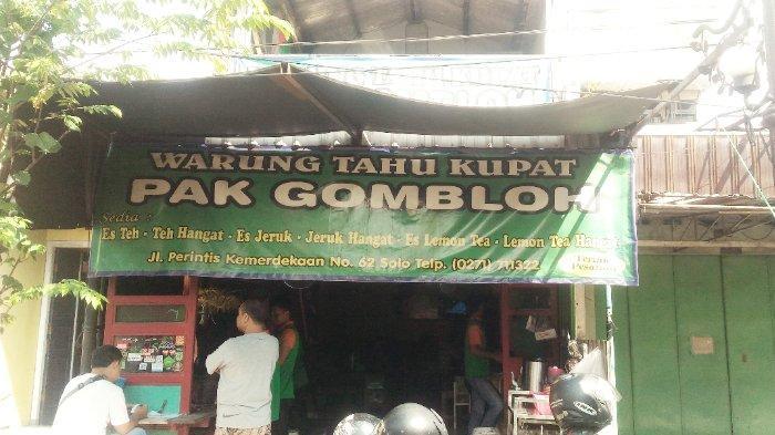 Tahu Kupat Pak Gombloh, di Jalan Perintis Kemerdekaan No. 62 Solo, Jawa Tengah, Senin (22/4/2019).