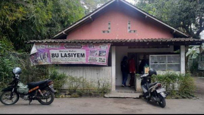 Tanah warung makan Bu Lasiyem seluas 1.000 meter persegi yang berada di Jalan Palagan Desa Sariharjo, Ngaglik, Sleman itu ditaksir senilai Rp 25 miliar.