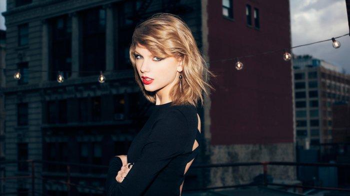 Taylor Swift Patahkan Rekor Whitney Houstoun sebagai Peraih Penghargaan Terbanyak di AMA