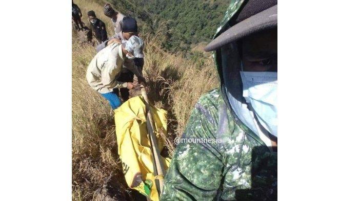 Medan Gunung Piramid yang Terjal Buat Tim SAR Butuh Waktu 1 Jam untuk Evakuasi Jenazah Thoriq