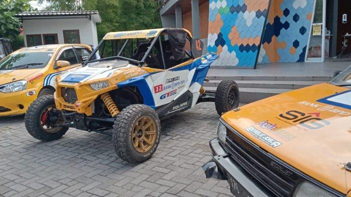 Tiga unit mobil balap milik tim BJRT yang disiapkan menjalani seri Kejurnas Rally 2021.