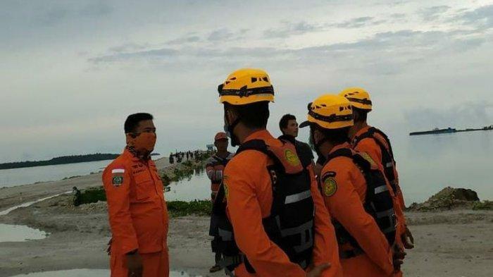 Sedang Asyik Memancing, Dandi Diterkam Buaya Laut dan Diseret Masuk Air, Tim SAR Lakukan Pencarian