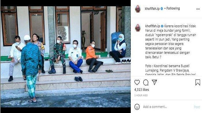 Gubernur Jawa Timur, Khofifah Indar Parawansa mengunggah momen rapat lesehan membahas gempa di Jawa Timur, Senin (12/4/2021).