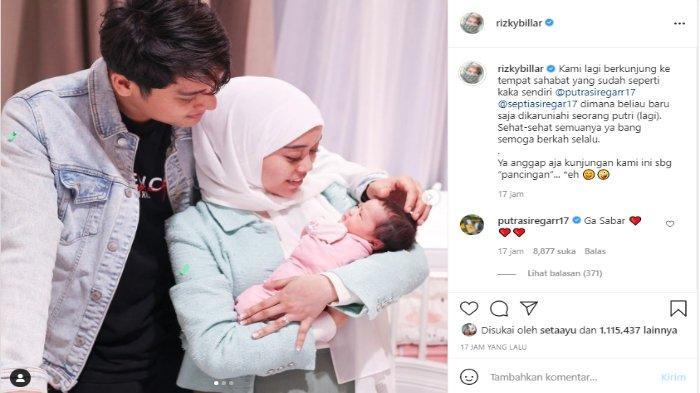 Tangkapan layar unggahan foto Rizky Billar dan Lesti Kejora yang gendong putri pengusaha Putra Siregar dan istri.