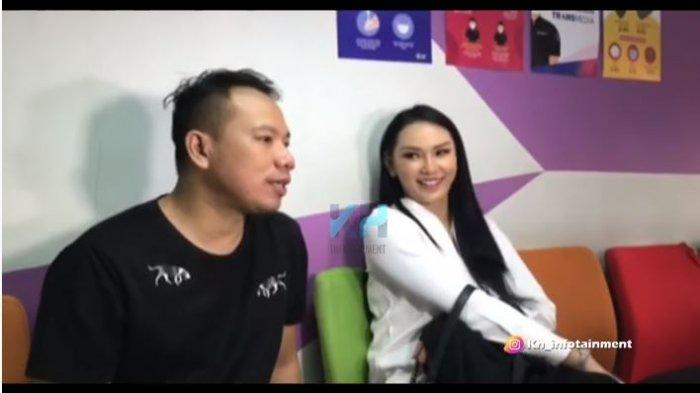 Vicky Prasetyo dalam kanal YouTube KH INFOTAINMENT, Kamis (12/11/2020). Vicky membeberkan hubungan asmaranya dengan Kalina Oktarani.
