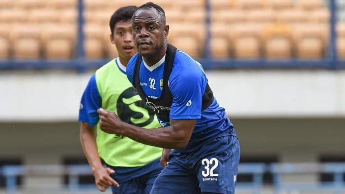 Persib Bandung di Puncak Klasemen Liga 1 2020, Victor Igbonefo: Yang Penting Tim, Bukan Pribadi