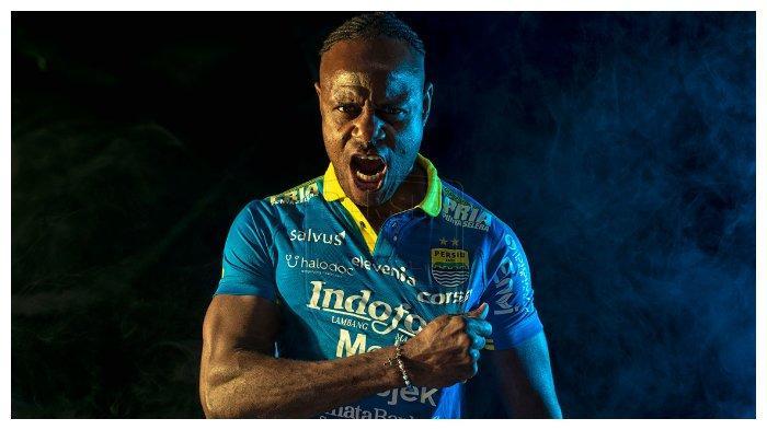 Usia Tak Sulutkan Bek Senior Persib Bandung Lakoni Latihan Keras hingga Lari di Jalan Menanjak