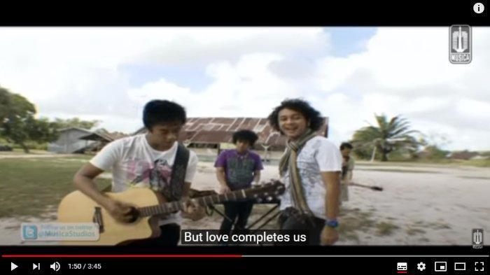 Kunci (Chord) Gitar dan Lirik Lagu Laskar Pelangi - Nidji, Walau Dunia Tak Seindah Surga