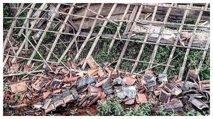 Viral Rumah Nenek Tua di Tasikmalaya Roboh Dimakan Rayap,