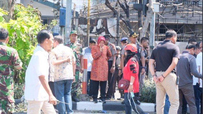 Keliling Tinjau Pusat Perbelanjaan dan Keramaian, Tri Rismaharini Nyatakan Kota Surabaya sudah Aman!