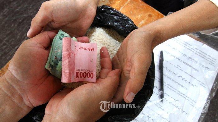 Tanya Ustaz: Bagaimana Hukumnya Zakat Fitrah Pakai Uang Tabungan dalam Kondisi sedang Pas-pasan?