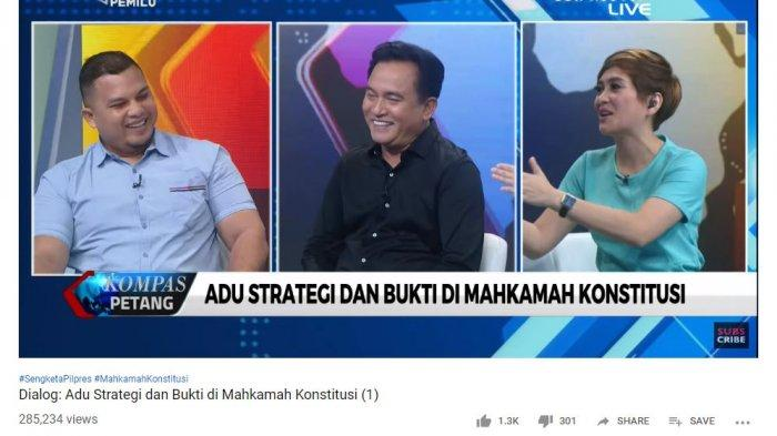Ketua tim hukum Joko Widodo (Jokowi)-Ma'ruf Amin, Yusril Ihza Mahendra tertawa saat pembawa acara KompasTV tanyakan alasan 'dalil-dalil tim hukum Prabowo-Sandi yang justru menyerang Jokowi-Ma'ruf, bukannya KPU sebagai termohon dalam sidang sengketa hasil Pilpres 2019 di gedung Mahkamah Konstitusi (MK).