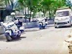 ambulans-yang-dibawa-oleh-ahm.jpg