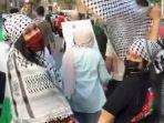 bella-hadid-turun-ke-jalanan-untuk-mendukung-palestina.jpg
